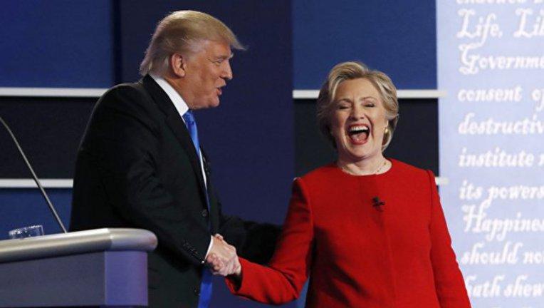 Хиллари впереди, Дональд позади