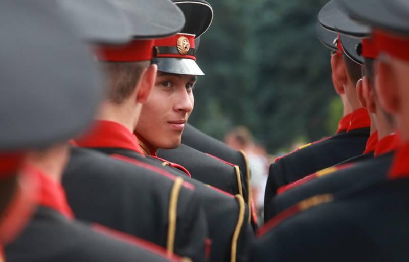 Возрождённое Тульское суворовское училище приняло своих первых воспитанников