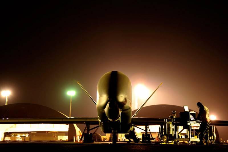 Комплекс управления «Global Hawk» дополнят «периферией»: станет ли дрон-разведчик «стратосферным охотником»?