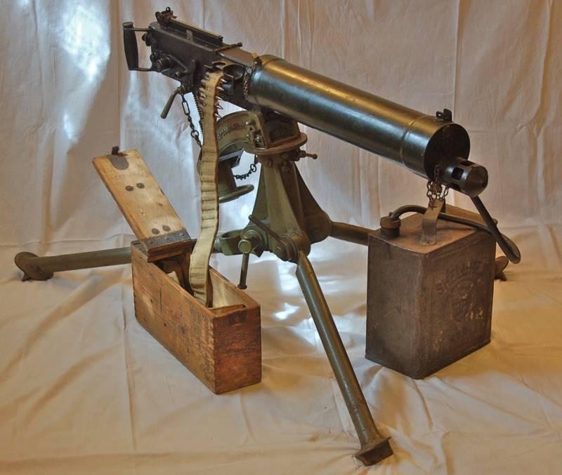 Пулемет «Виккерс» - перевернутый «Максим»
