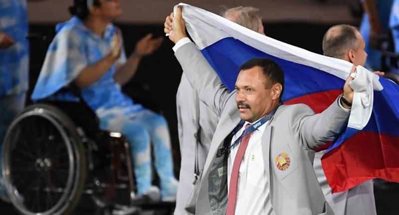 МПК отстраняет от Паралимпиады в Рио белоруса Андрея Фомочкина за российский флаг