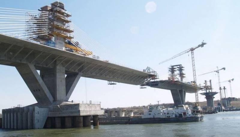 Боевые аквалангисты Росгвардии защитят Керченский мост