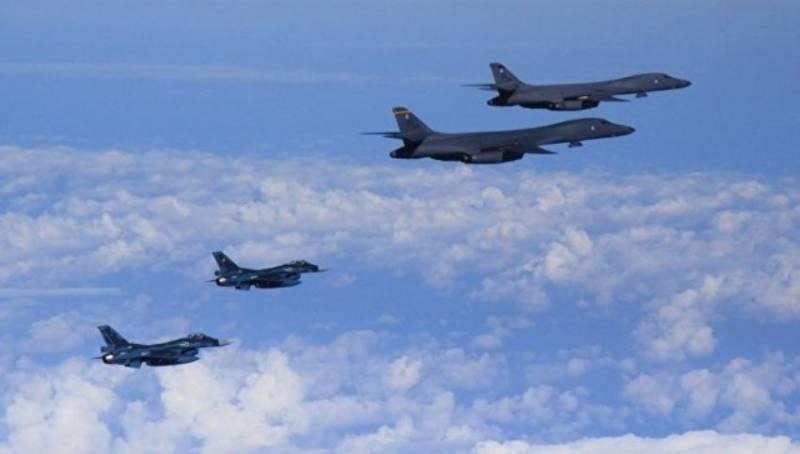 Бомбардировщики ВВС США совершили демонстративный полёт над Республикой Корея