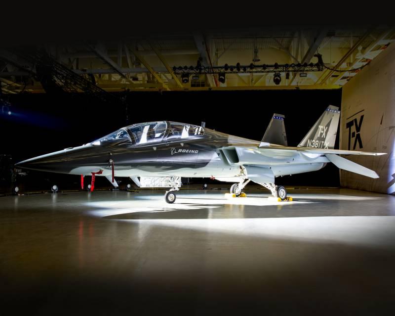 Корпорация Boeing представила учебный самолёт Т-Х