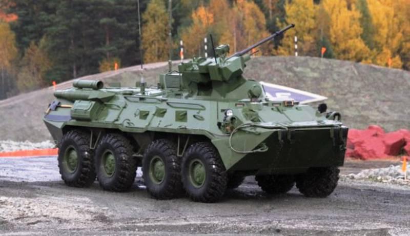 Росгвардию начнут вооружать новыми БТР-82В в следующем году