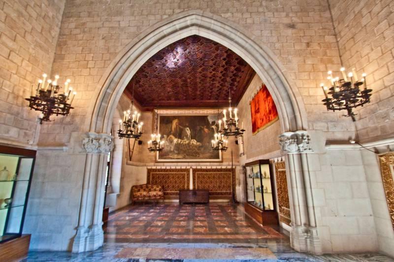 Замок Святой Флорентины: «замок, который никогда не осаждали, и в котором живут»