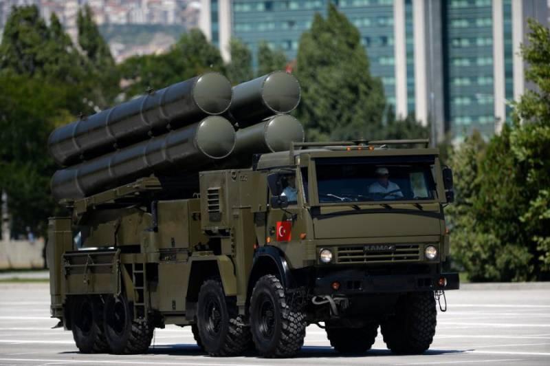 СМИ: Турция завершила поставки в Азербайджан ракетных систем Kasirga