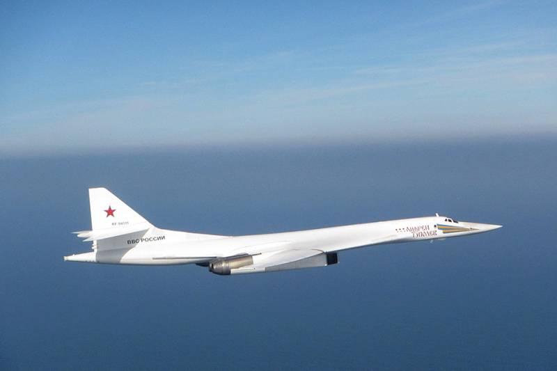 Минобороны Британии заявило о перехвате и сопровождении российских Ту-160