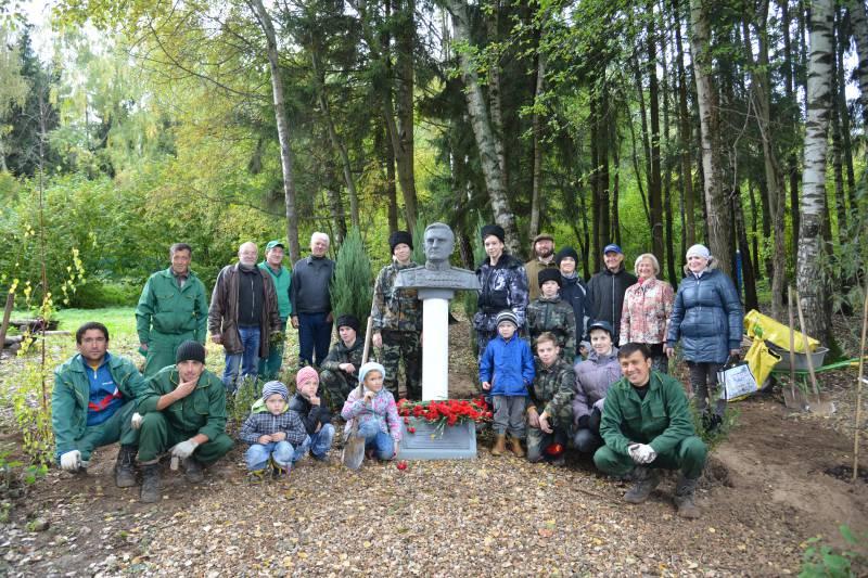 В Мытищинском районе высажено 145 молодых деревьев в память о героях Великой Отечественной войны