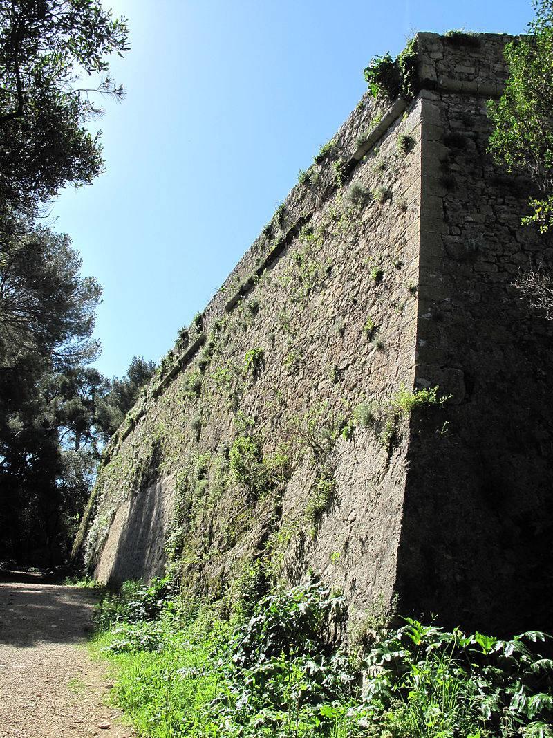 «Железная Маска» и замок острова Сент-Маргерит