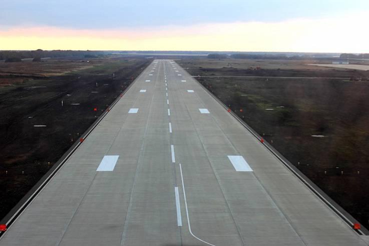 На авиабазе Кореновск строители передали военным обновлённую инфраструктуру аэродрома