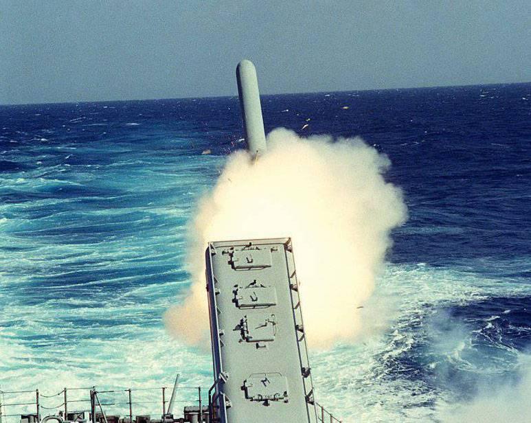 """СМИ: Пентагон готов атаковать сирийские военные аэродромы """"Томагавками"""""""