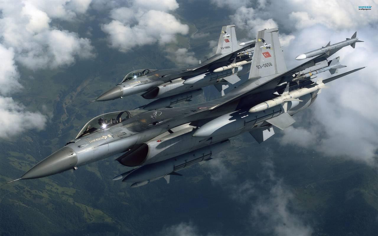 Турецкие военные отчитались обуничтожении 18 боевиковИГ