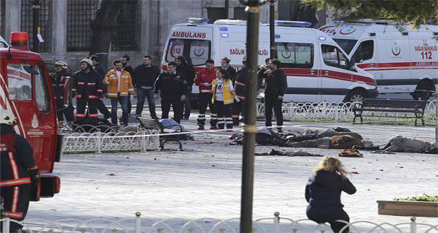 В результате теракта на юго-востоке Турции образовалась воронка глубиной до 6 метров