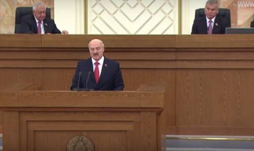 """Лукашенко заявил об """"окончании нефтегазовых баталий с Россией"""""""