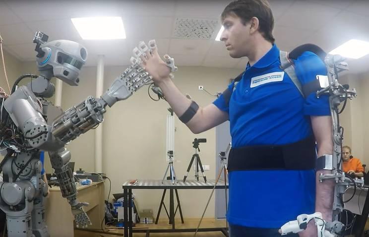 """Космический """"Аватар"""" : на что способен новый робот-спасатель FEDOR"""