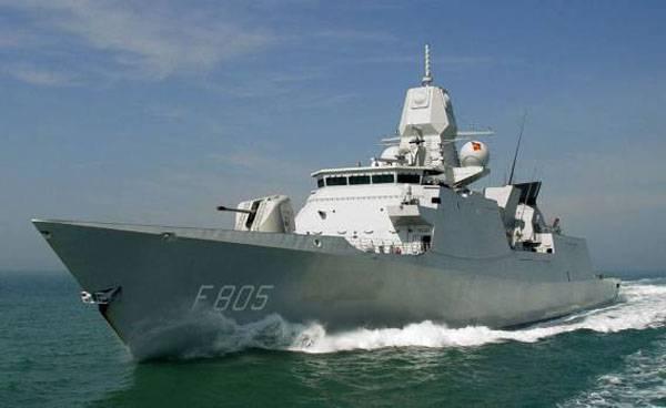 Голландский фрегат «Эвертсен» с бельгийским