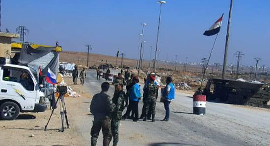 В районе одного из гуманитарных коридоров Алеппо ранены трое российских военнослужащих