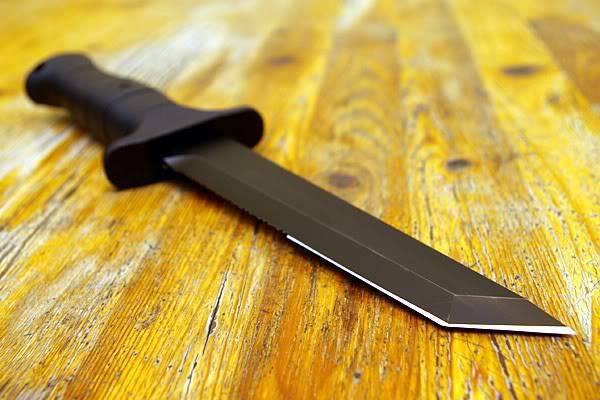 Нож в океане