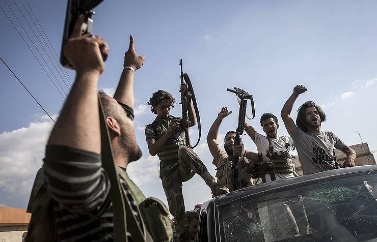 СМИ: на совещаниях Обамы изучалась возможность поставки «умеренным» в Сирию вооружения для борьбы с ВКС РФ