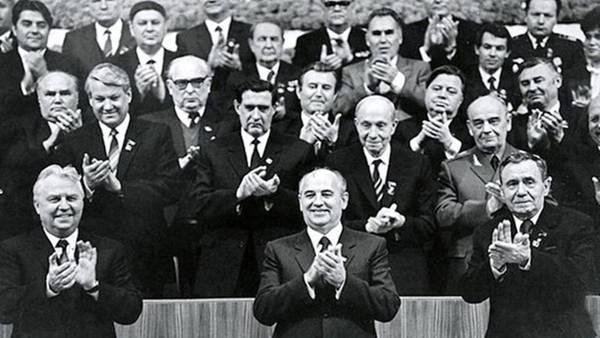 """""""На развал страны работала группа в ЦК КПСС. Но большую роль сыграл и КГБ"""""""