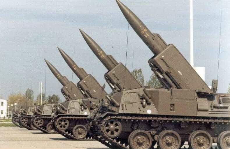 Оперативно-тактический ракетный комплекс Pluton (Франция)