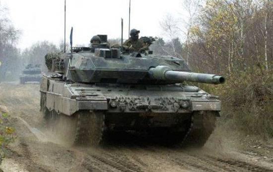Минобороны ФРГ: Мы обозначим военное присутствие в Прибалтике танками