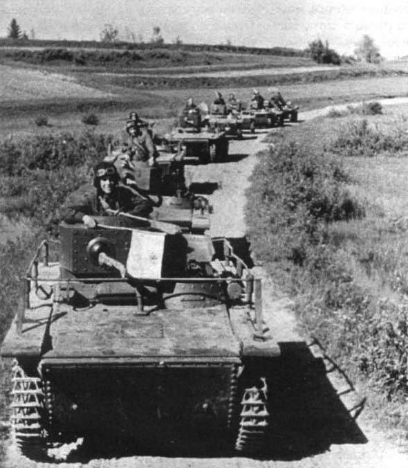 Эксперимент с установкой авиационного пулемёта ШКАС на плавающий танк Т-37А