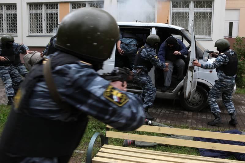 3 октября в России отмечается День отрядов милиции особого назначения (ОМОН)