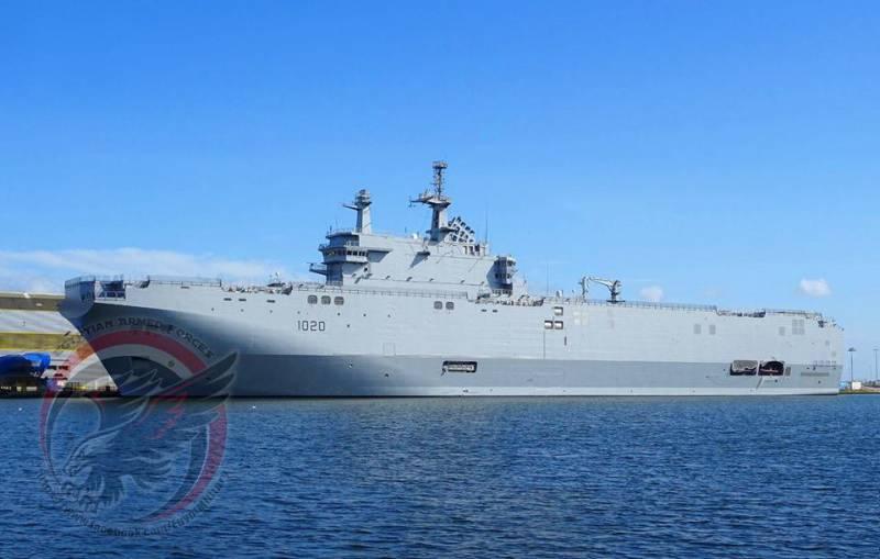 """Второй """"Мистраль"""" из Франции прибыл на базу ВМС Египта в Александрию"""