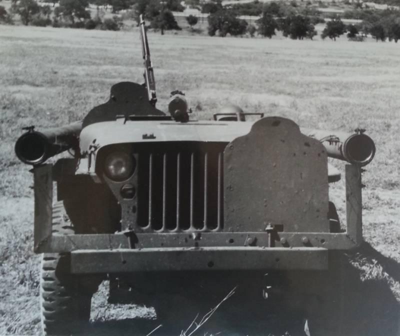 Проект противотанковой САУ с безоткатными орудиями Л. Зерби (США)