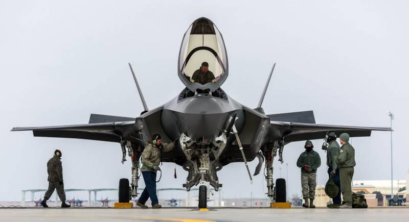 Проблемы с боеспособностью истребителя F-35