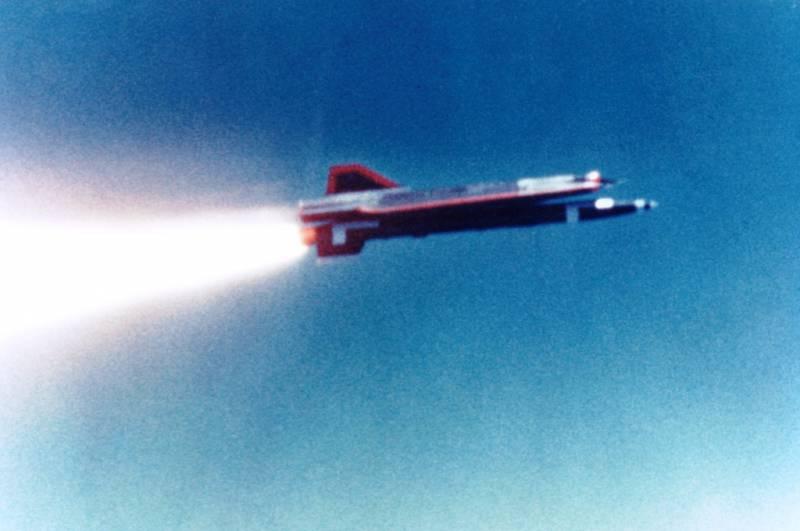 Беспилотный разведчик Lockheed D-21B (США)