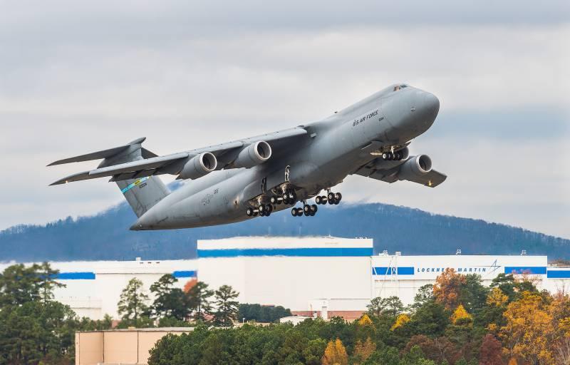 Lockheed C-5 Galaxy. Самый крупный военно-транспортный самолёт ВВС США в цифрах и фактах