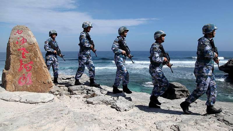 Пекин сообщил о размещении воинского контингента на одном из спорных островов