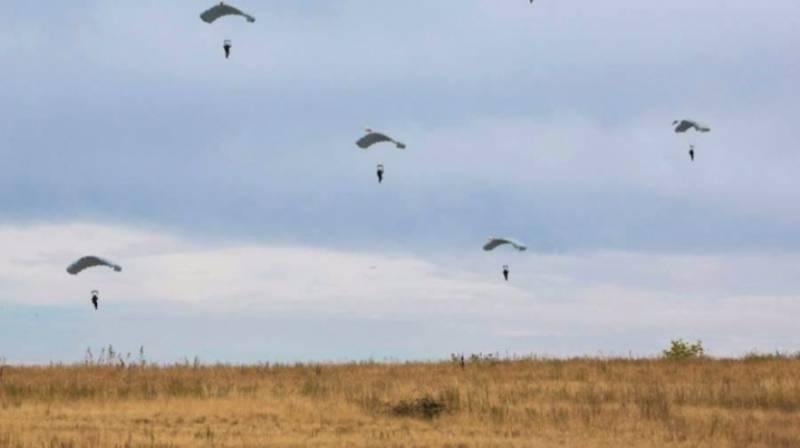 Российские десантники получат парашюты-парапланы «Дальнолёт»