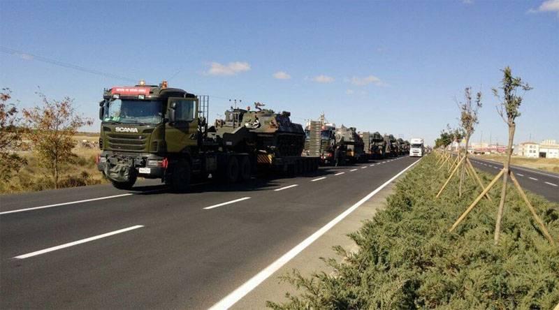 Турция перебрасывает бронетехнику к границе с Ираком