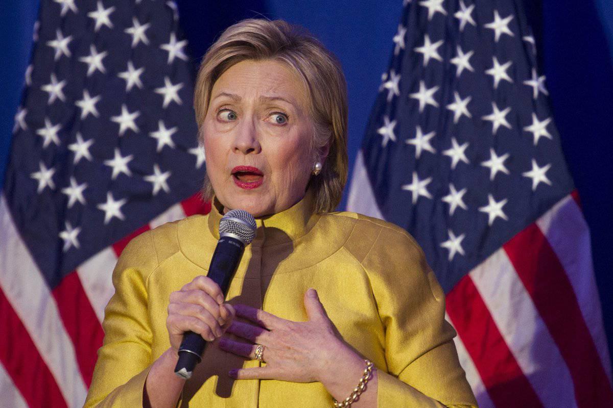 Fox News узнал обактивизации расследования ФБР вотношении Фонда Клинтонов