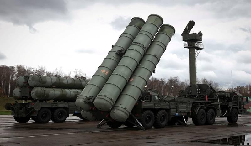 В войска поставлен новый полковой комплект С-400