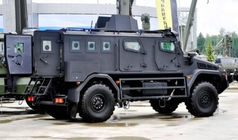 Тест-драйв армейской версии бронеавтомобиля «Патруль» (видео)
