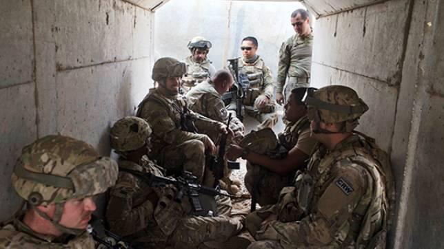СМИ: Пентагон перебрасывает к Мосулу десантную бригаду