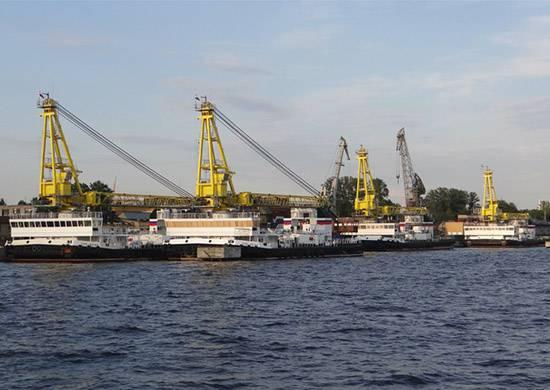Новейший самоходный плавучий кран проекта 02690 пополнил ТОФ РФ