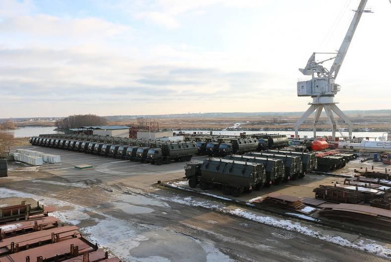 Российским военным передан понтонный парк ПП-2005