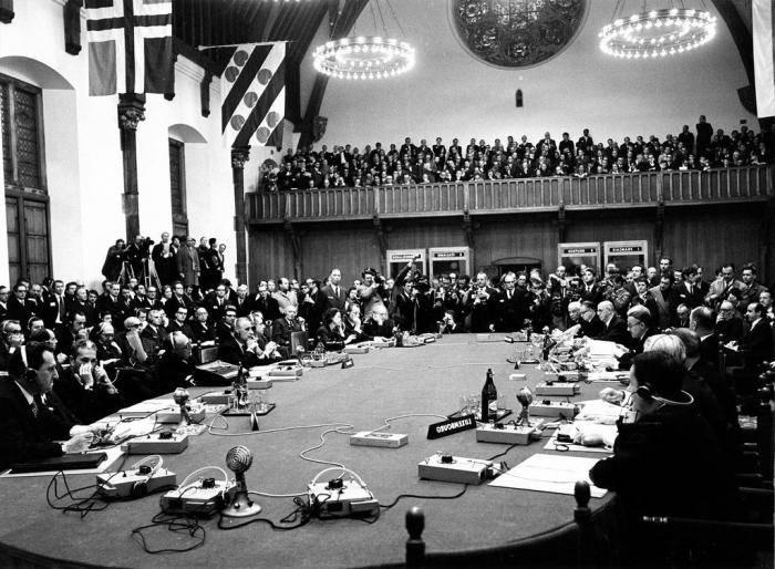 Первый шаг к всеобщему миру и разоружению-заслуга России
