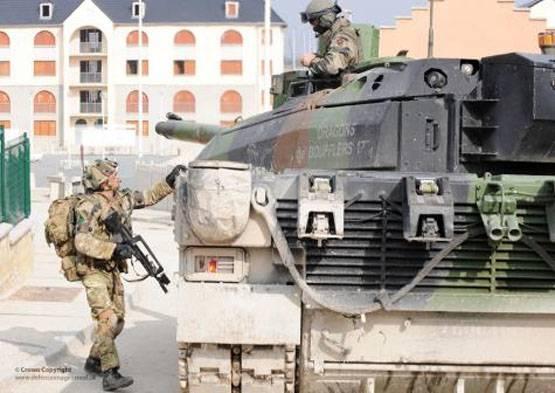 Франция перебросит до300 солдат и20 единиц бронетехники вЭстонию