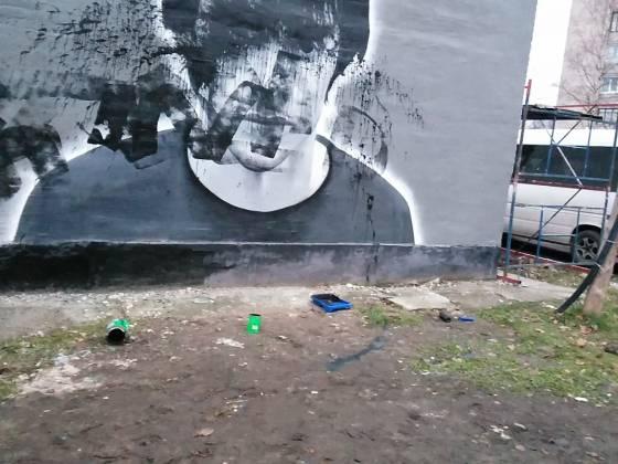 В Санкт-Петербурге осквернены портреты Магомеда Нурбагандова и Арсения Павлова