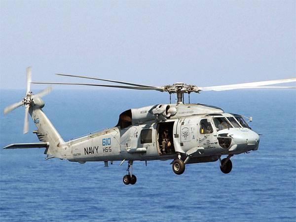 Иранские военные моряки ответили на подлёт к кораблям КСИР американского вертолёта SH-60