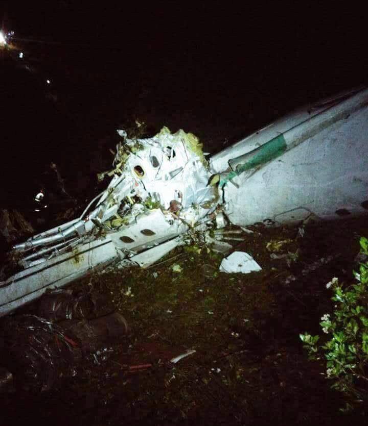 ВКолумбии разбился самолет сфутбольной командой наборту