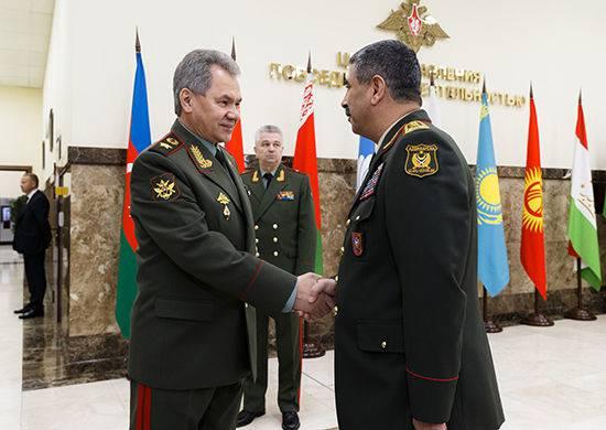 Министр обороны РФ провёл встречи с коллегами из Армении и Азербайджана
