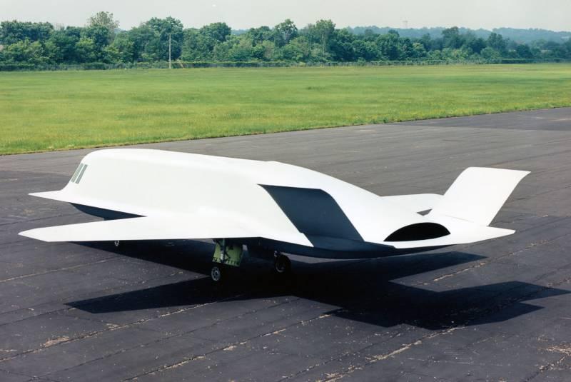 Экспериментальный малозаметный самолет Northrop Tacit Blue (США)